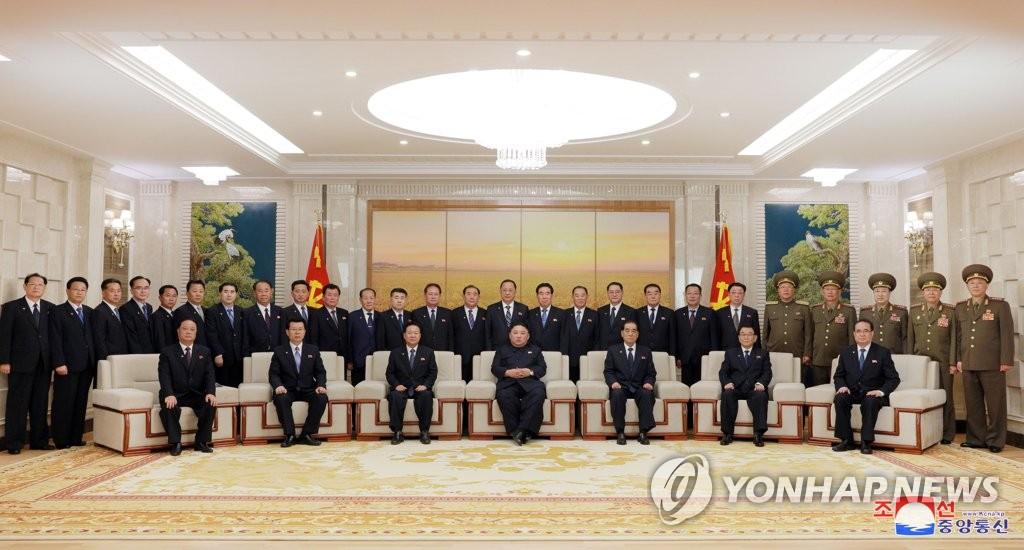 朝鲜劳动党政治局常委缩至三人