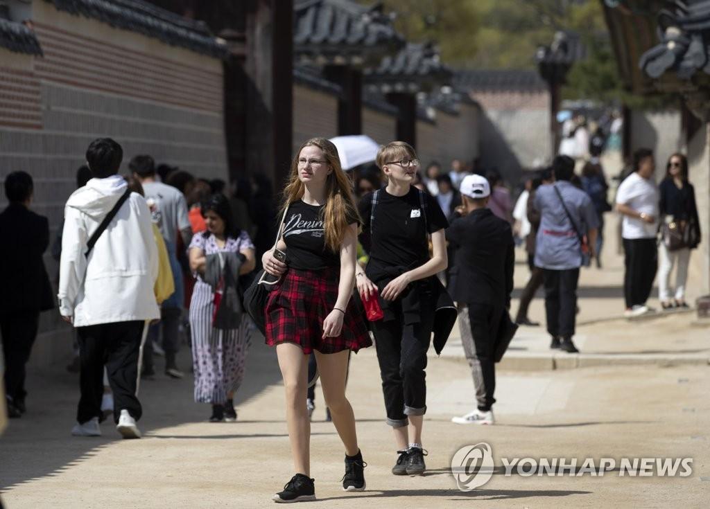 3月访韩外国游客154万 中国会奖团大增