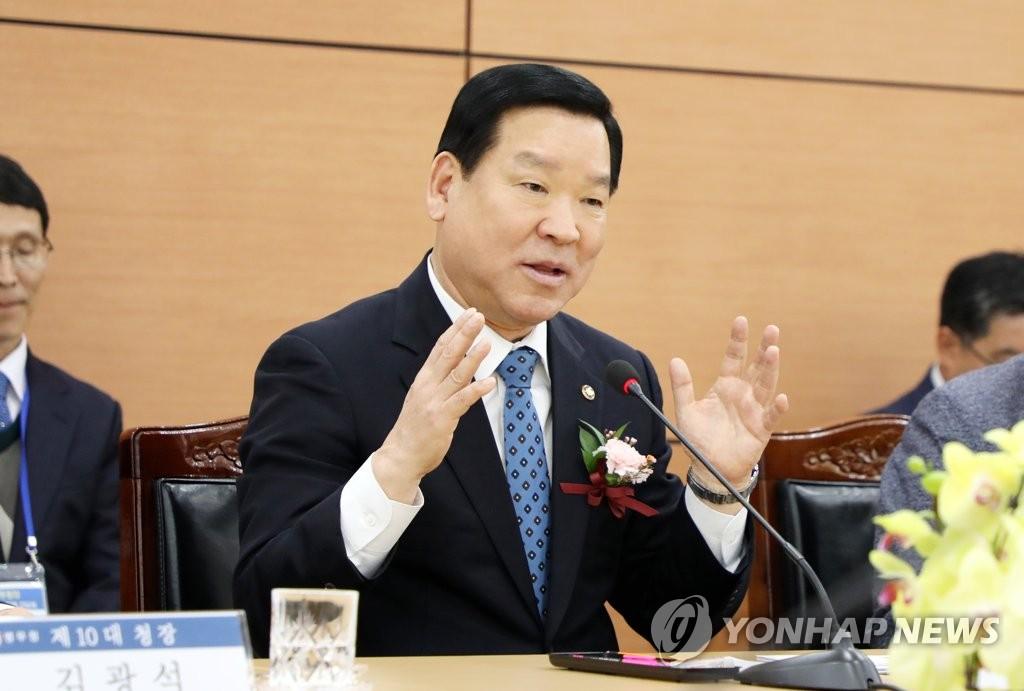 韩兵务厅长:民意不容刘承俊入境