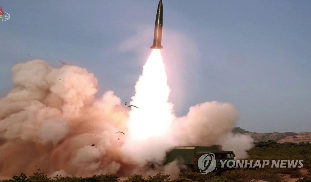 韩政府:朝鲜所射飞行物含新型战术制导武器