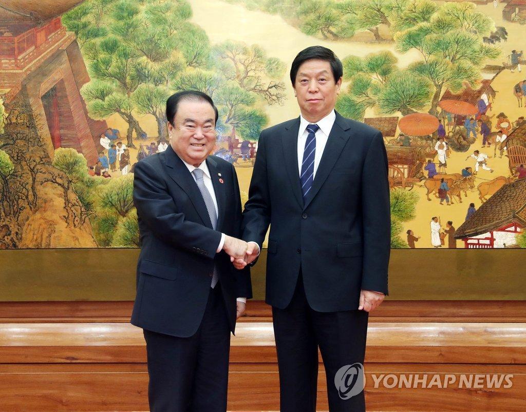韩国议长会见韩媒驻京记者介绍访华结果