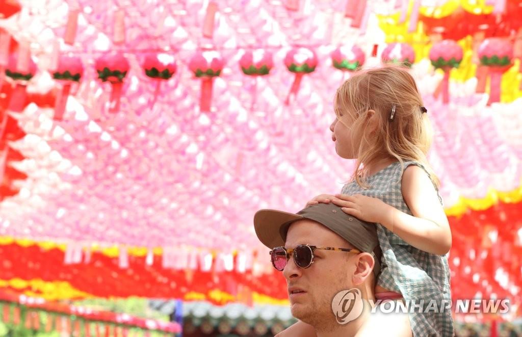 4月韩国入境外国游客同比增23%