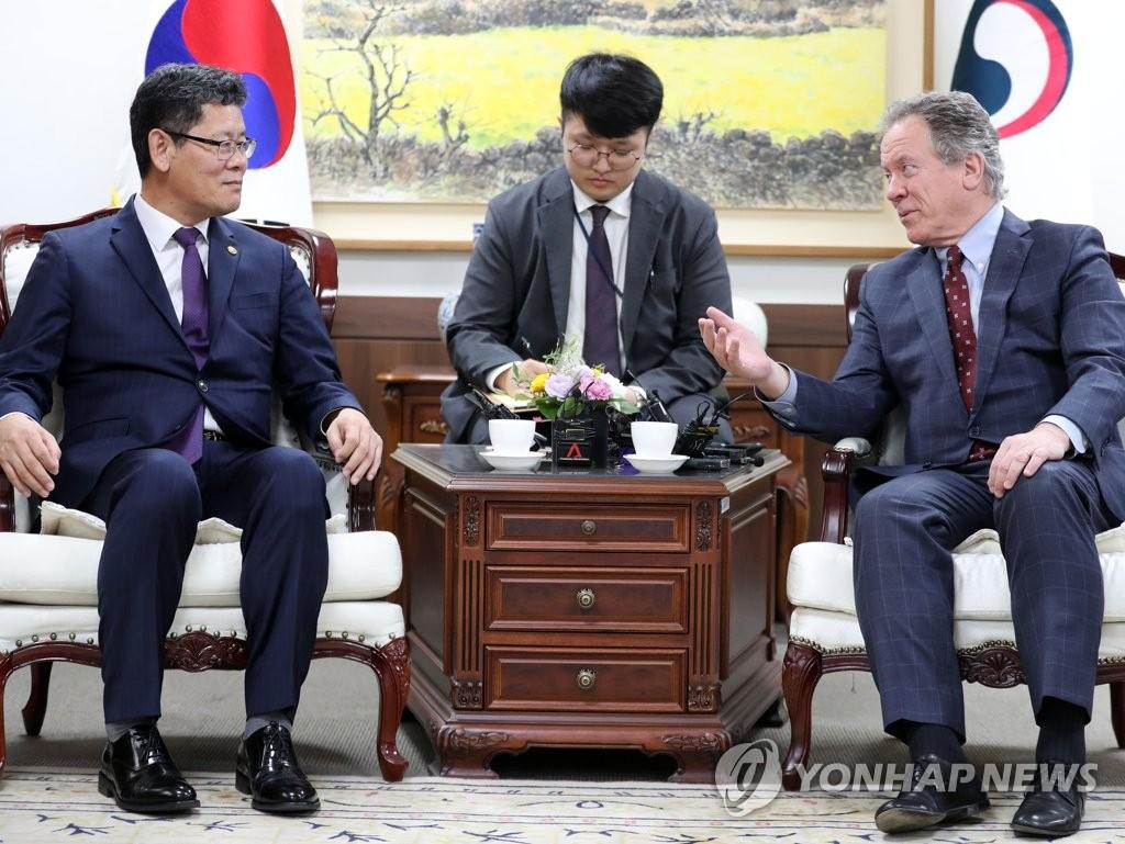 韩政府考虑继续资助国际援朝项目