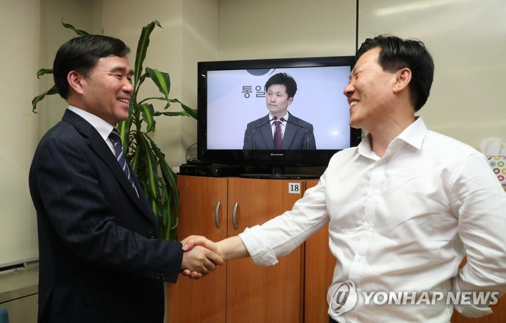开城韩企欢迎政府为企业代表访朝放行