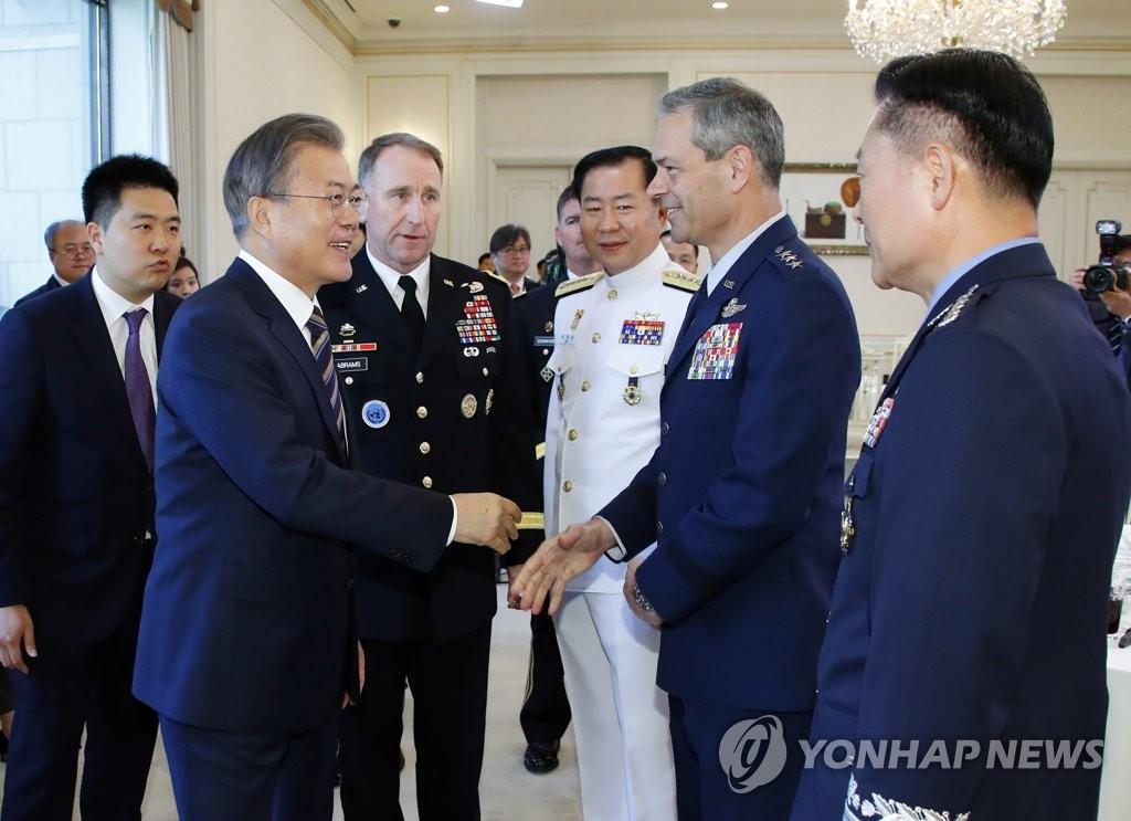 驻韩美军司令:愿韩美同盟一路同行