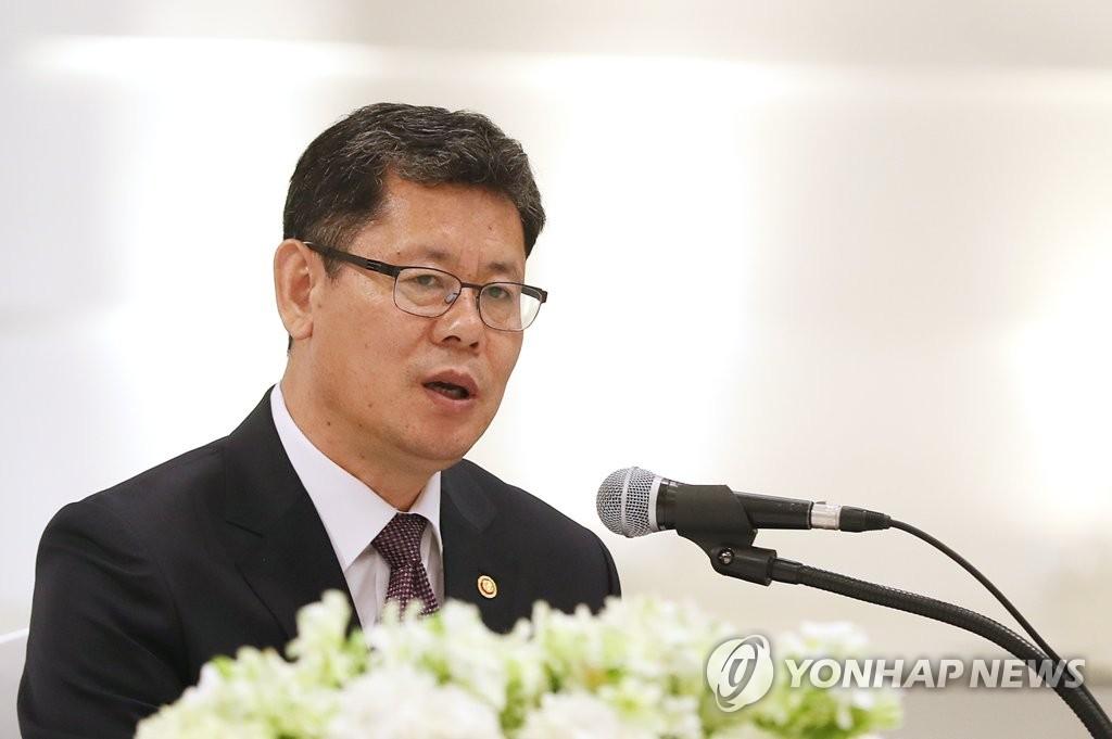韩统一部长:力促韩朝关系发展推动朝美对话重启