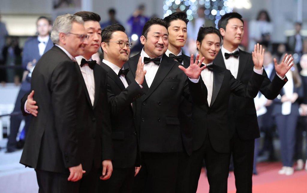 韩国票房:本土片《恶人传》观影破200万