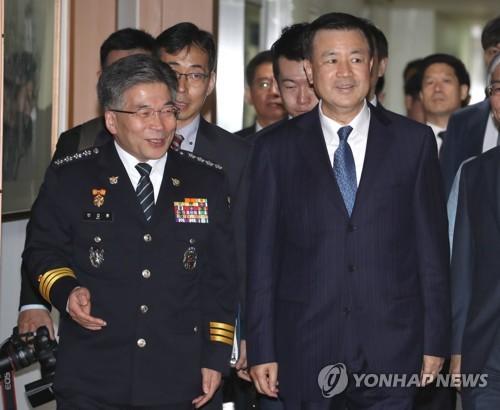 中国公安部副部长王小洪访韩