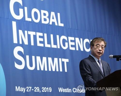韩情报部门首长:努力解读半岛局势变化