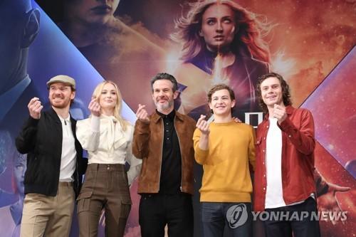 《X战警:黑凤凰》主创访韩
