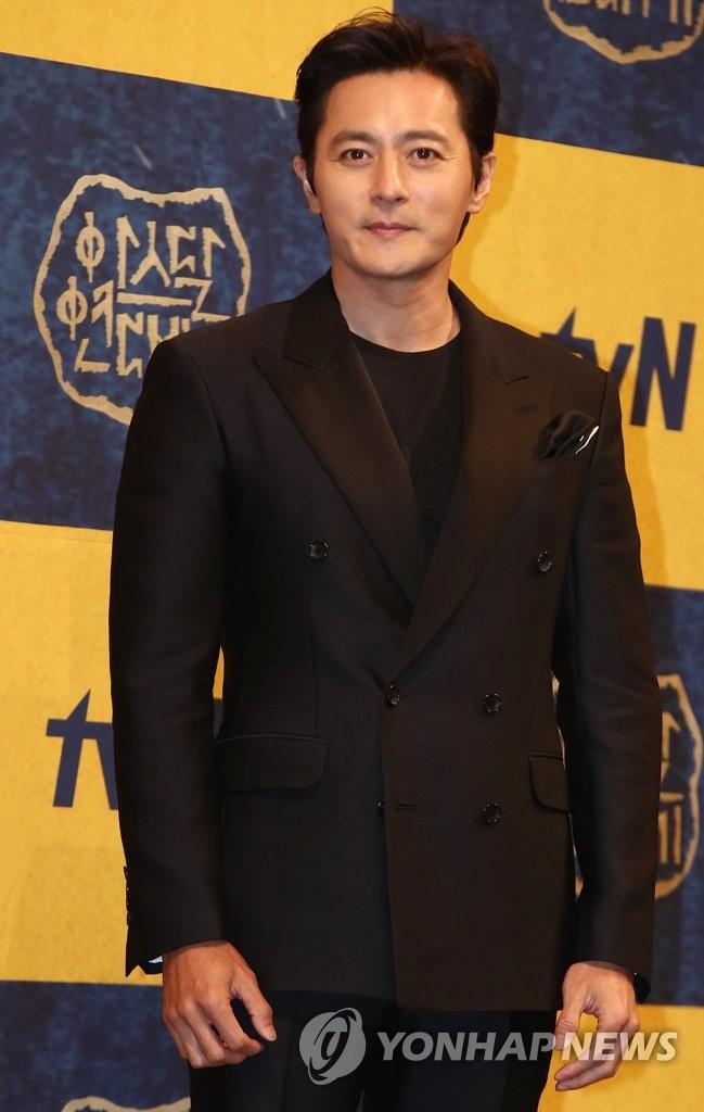 5月28日,在首尔皇宫酒店,演员张东健出席新剧《阿斯达年代记》发布会。(韩联社)