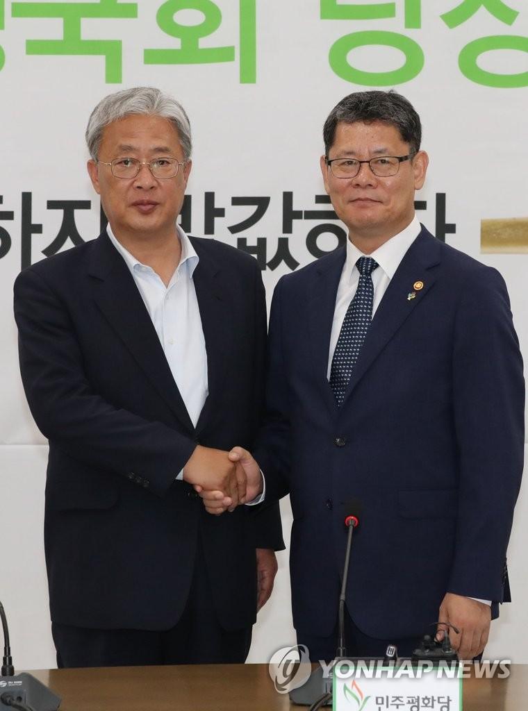 韩统一部长:制裁不误人道援朝是各方共识