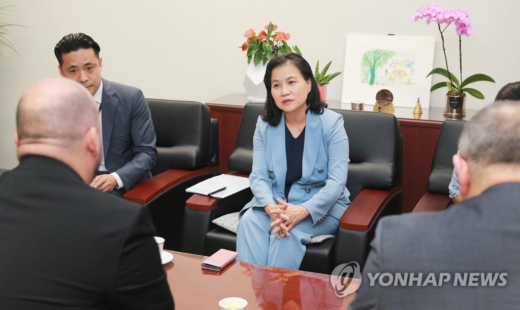 韩贸易代表明访美打对日舆论战