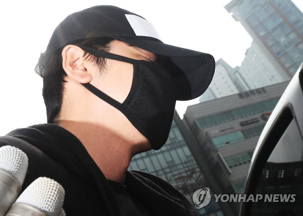 涉性侵演员姜志焕获刑两年半缓刑三年