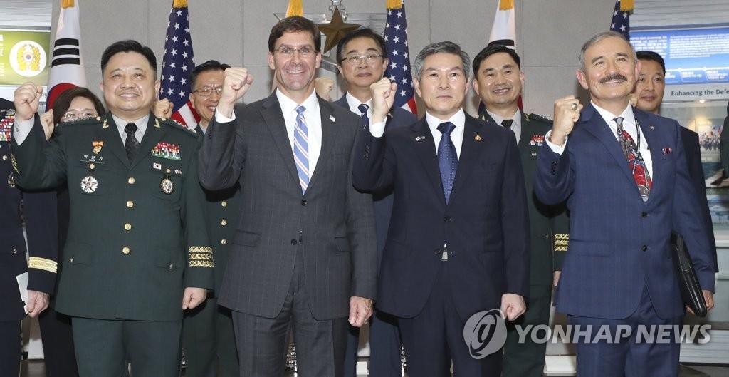 韩美防长在首尔会晤 美方强调同盟坚不可摧