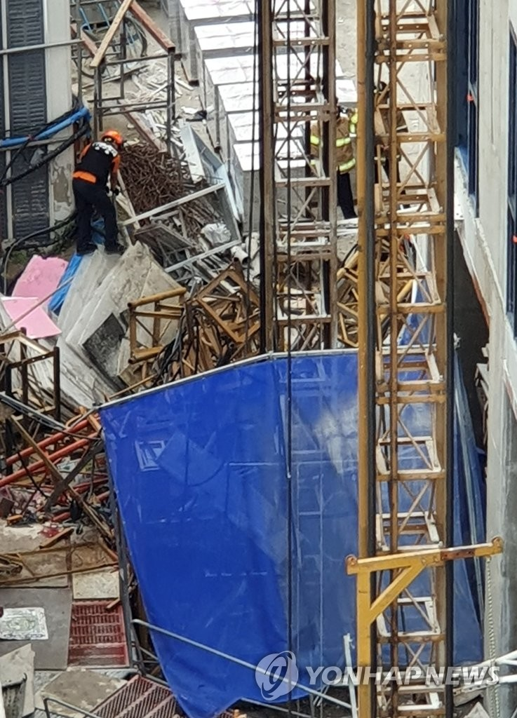 施工现场电梯坠落致5人伤亡