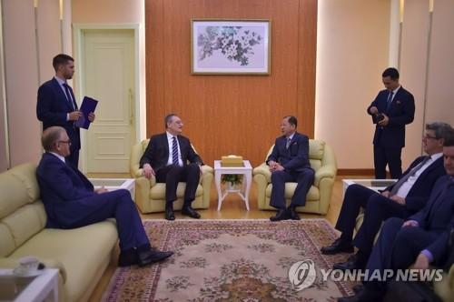 俄罗斯副外长会晤朝鲜第一副相崔善姬