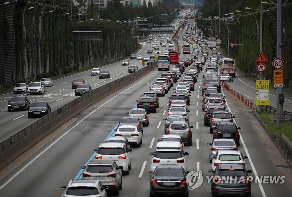 韩高速迎秋运去程高峰