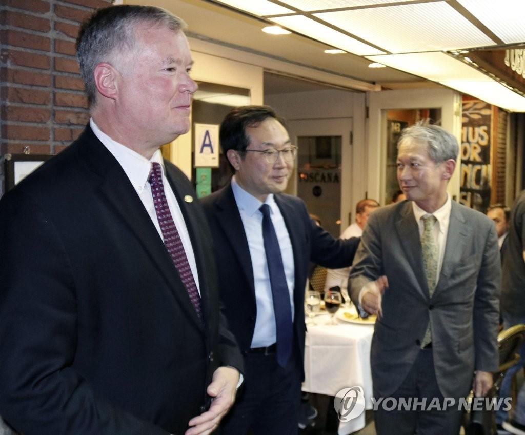 韩美对朝代表在纽约会晤