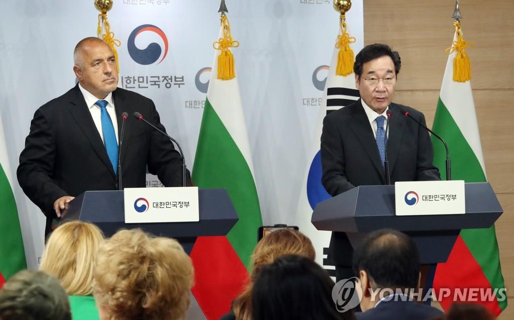 韩总理李洛渊会见保加利亚总理鲍里索夫