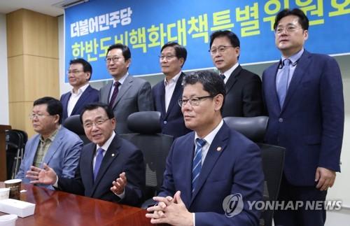 韩统一部长官:韩朝仍有合作潜力