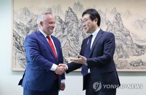 韩对朝代表会见瑞典特使
