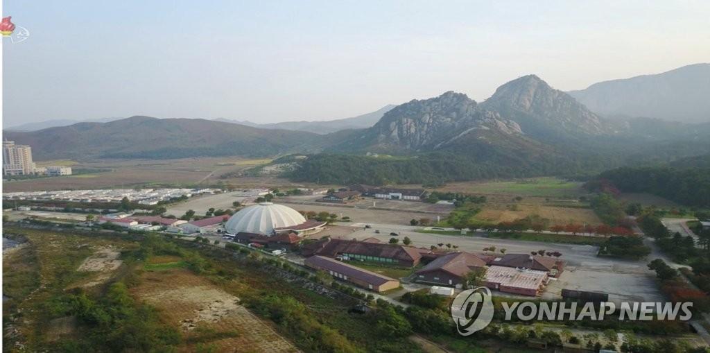 资料图片:朝鲜中央电视台公开的金刚山旅游区全景。 韩联社/朝鲜央视(图片仅限韩国国内使用,严禁转载复制)