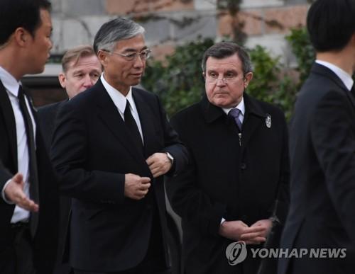 中国大使祭奠韩总统母亲