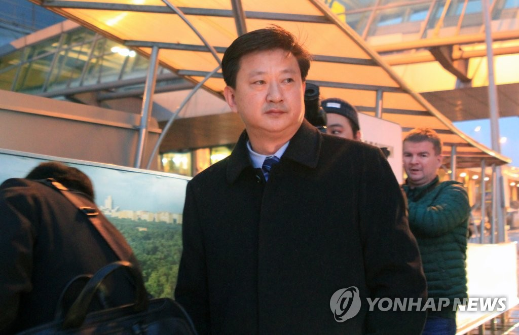 当地时间11月5日,朝鲜外务省美国局长赵哲秀(音)飞抵莫斯科谢列梅捷沃国际机场。他将出席2019莫斯科核不扩散会议。 韩联社