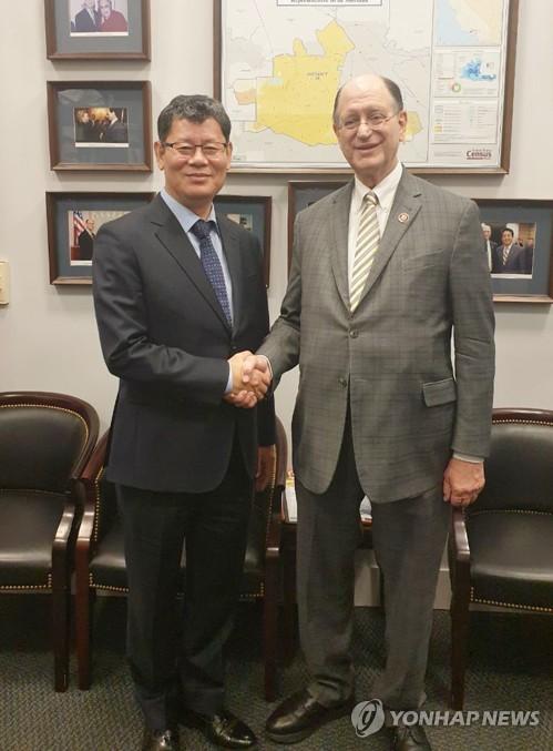 韩统一部长会见美国议员