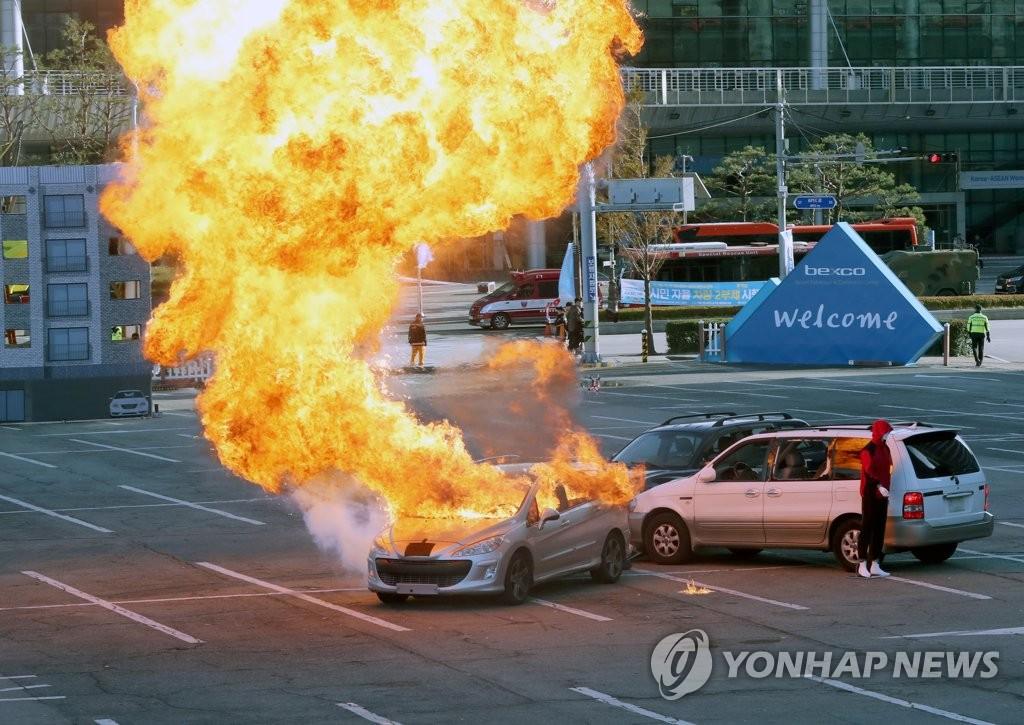 韩国东盟峰会反恐演习在釜山举行