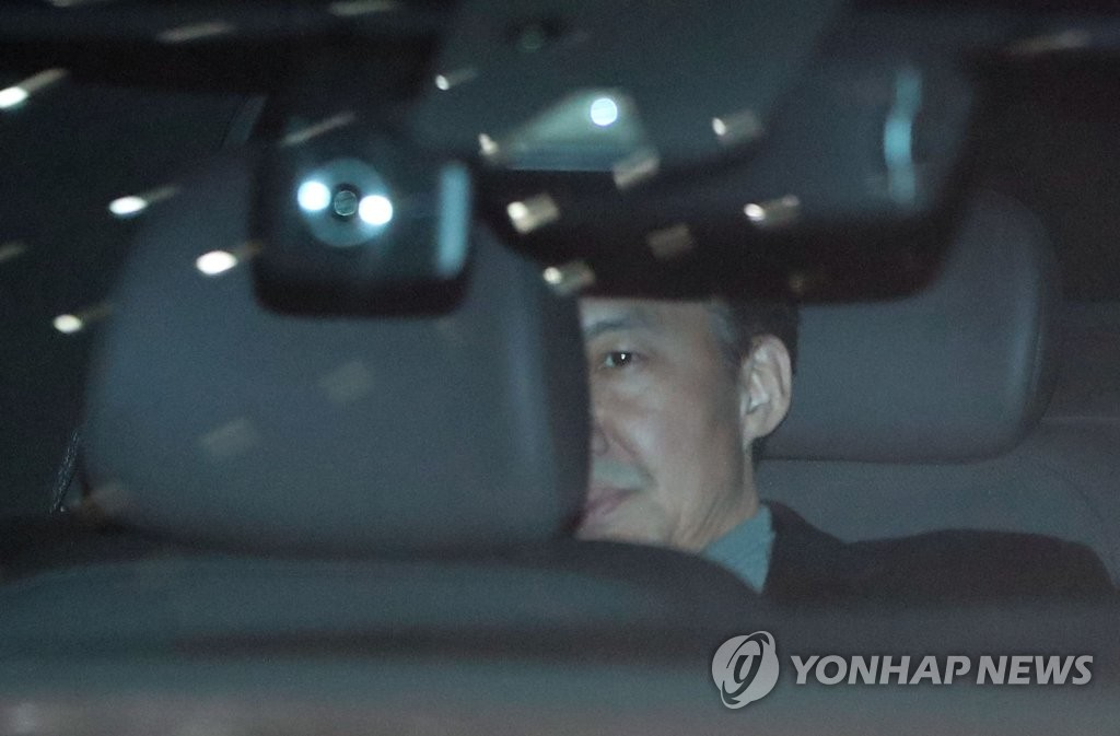 韩前法务部长曹国再受讯拒绝陈述
