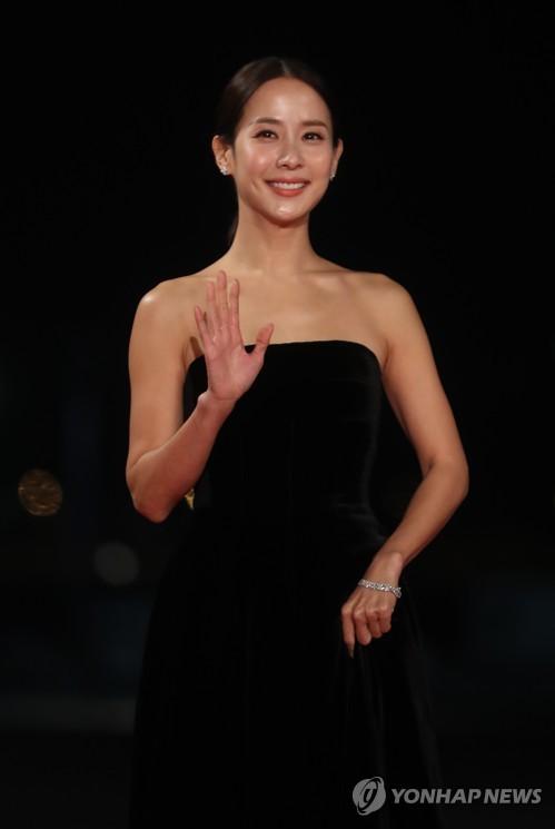《寄生虫》笑傲青龙 获五项大奖成最大赢家