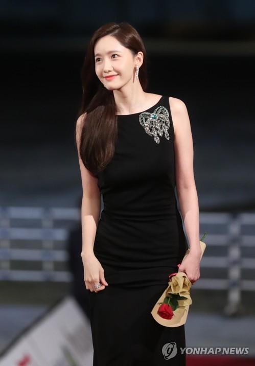第40届韩国电影青龙奖颁奖礼红毯