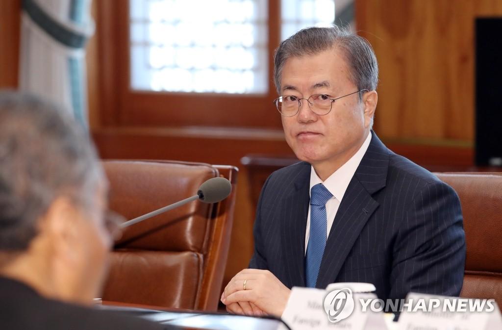 11月28日,在青瓦台,文在寅和马哈蒂尔举行会谈。 韩联社