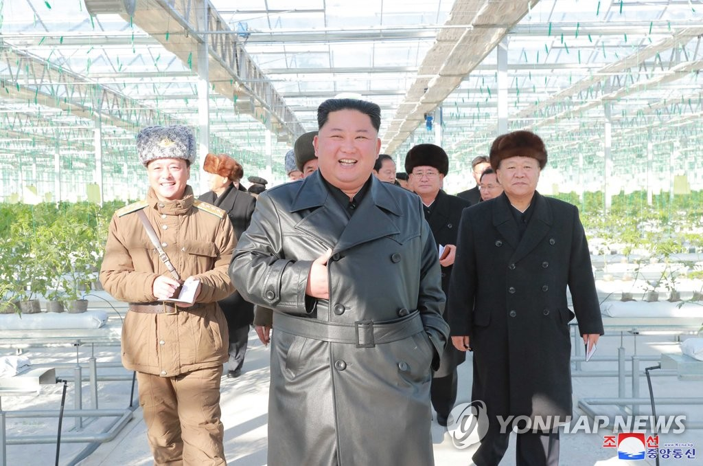 金正恩出席温室农场投产仪式