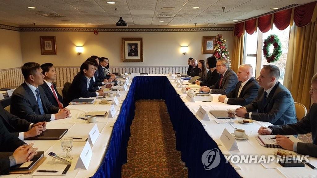 资料图片:当地时间12月4日,在华盛顿,韩美举行旨在签署第11份防卫费分担特别协定(SMA)的第四轮谈判。 韩联社/韩国驻美国使馆供图(图片严禁转载复制)