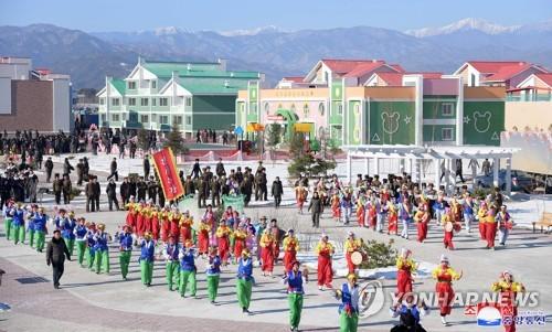 朝鲜中坪蔬菜温室农场竣工