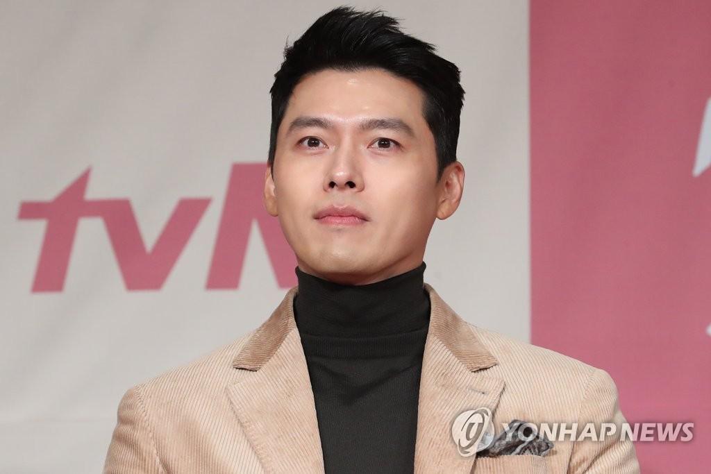 12月9日下午,在首尔四季酒店,演员玄彬出席tvN新剧《爱情迫降》发布会并接受记者提问。 韩联社