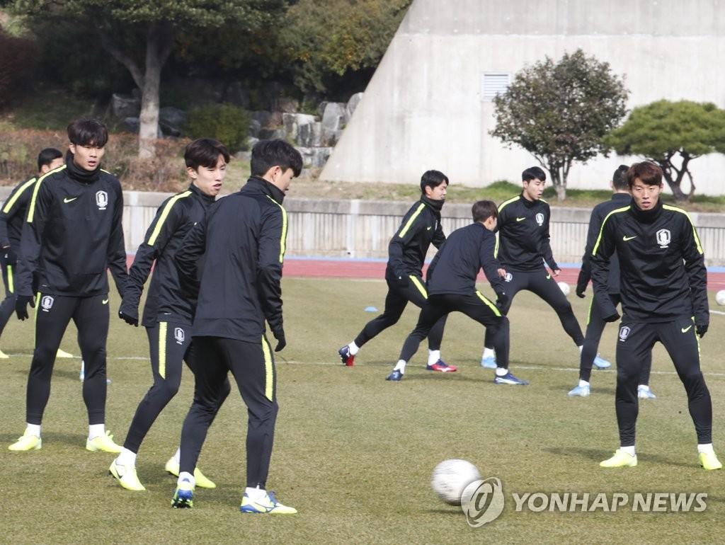 韩国男足备战东亚杯