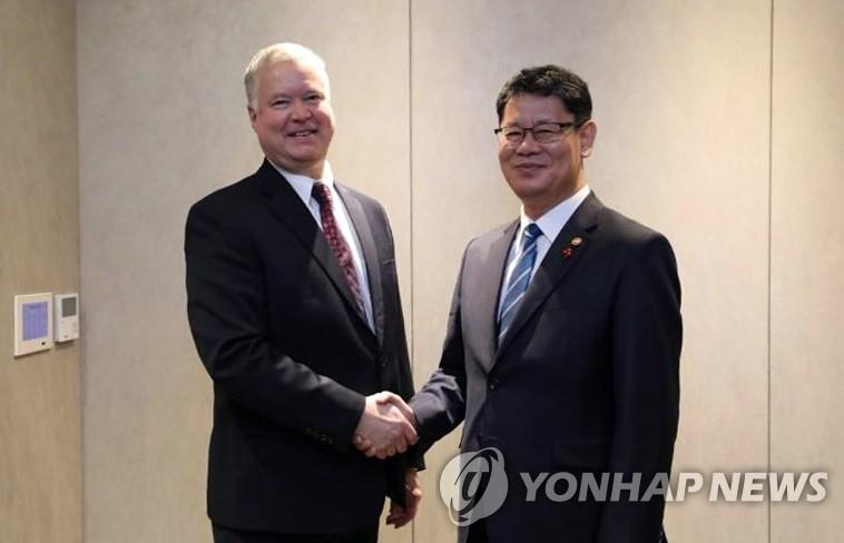 韩统一部长官称朝美需初步达成协议引关注