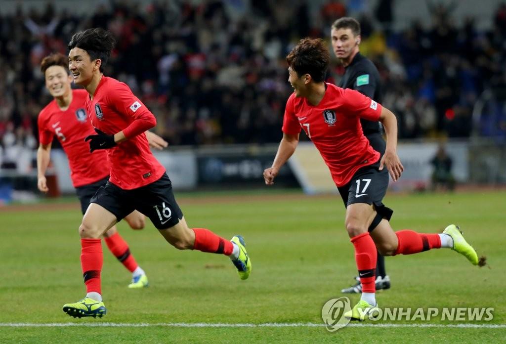 韩国男足1比0胜日本实现东亚杯三连冠