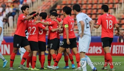 U23亚锦赛韩国2比1胜乌兹 C组三战全胜