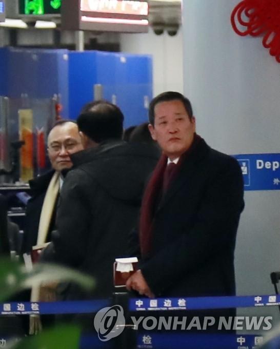 1月18日上午,朝鲜驻联合国代表金星现身北京首都机场。 韩联社