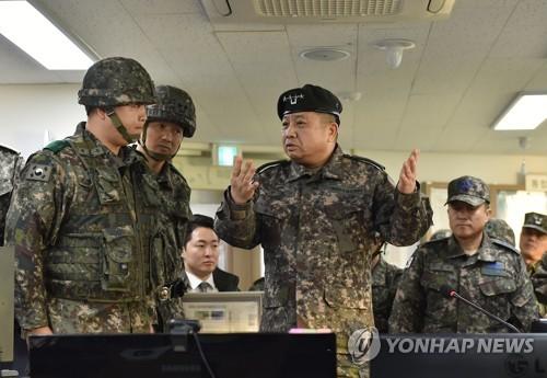 韩联参议长视察海岸部队