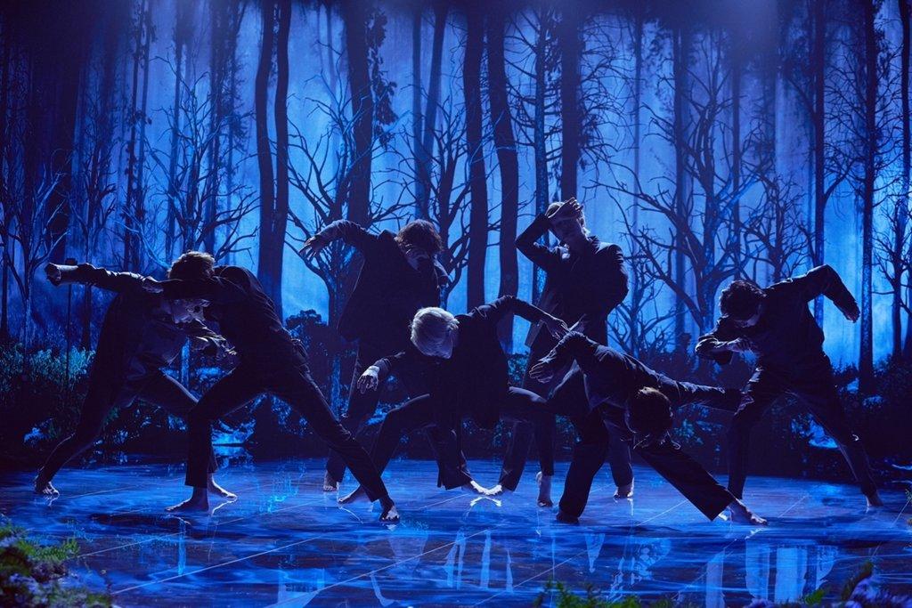 防弹少年团表演尝鲜曲《Black Swan》 Terence Patrick供图(图片严禁转载复制)