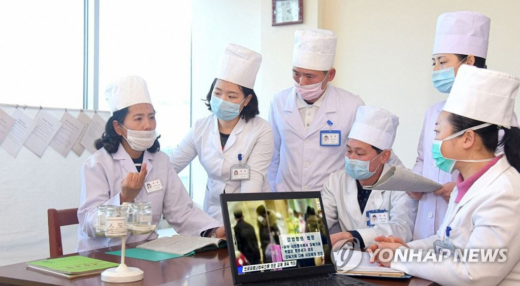 朝媒提醒居民保持警惕加大防疫力度