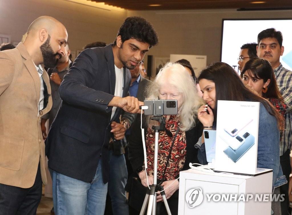 三星智能手机第二季在印市占率26%重回亚军