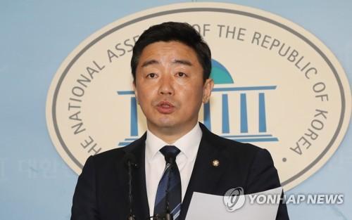 韩执政党重申应先查明慰安妇援助团体疑点立场