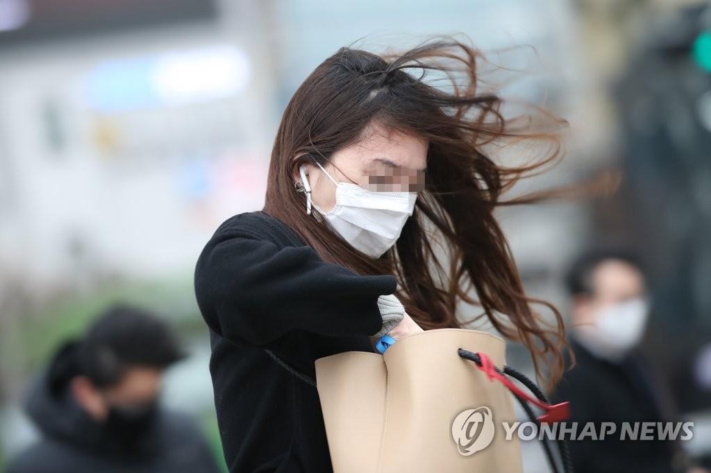 韩国气象厅提升对首尔的强风预警级别